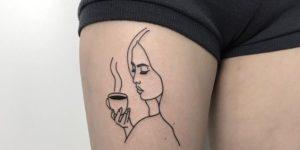 Silueta de mujer tomando café