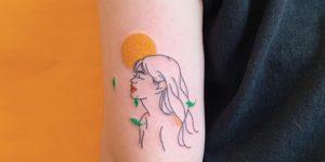 Mujer sintiendo el sol por Nawon Take My Muse