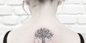 Árbol con raíces por Terryemi Tattoo