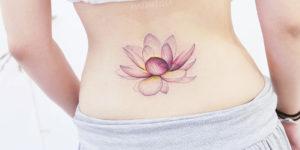 Flor de loto por Mini Tattoo