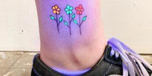Flores con tintas que brillan en la oscuridad