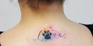 Frase: Love y Huella de mascota por Jacke Michaelsen