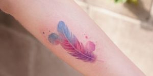 Pluma por Tattooist Silo