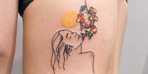 Silueta mujer sintiendo el aroma de las flores por Nawon Take My Muse