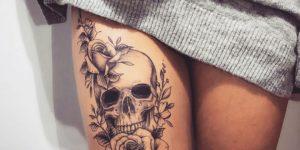 Calavera y Flor rosa por Steve Savard, Chik Tattoo