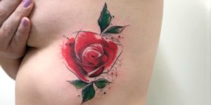 Flor rosa por Lc Junior Tattoo