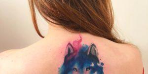 Lobo estilo acuarelas por Lc Junior Tattoo
