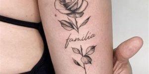 Frase: familia y flor rosa