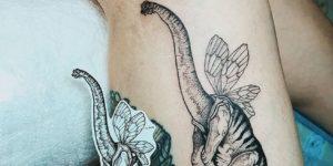Dinosaurio Brontosaurus con alitas