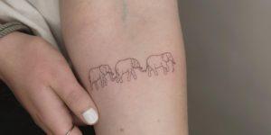 Familia de elefantes por Keya Tattoo