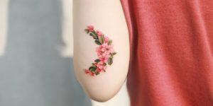 Media luna de flores por Tattooist Sion