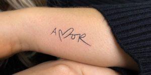 Frase: Amor por Risha Tattoo