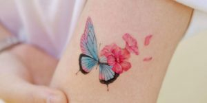 Metamorfosis de Mariposa a flores por Studio by Sol, Song E. Tattoo
