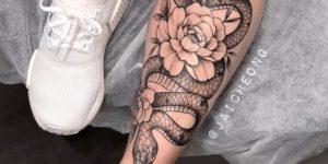 Serpiente y flores por Jai Cheong
