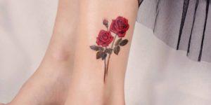 Flores rosas por Peria Tattoo