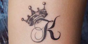 Inicial y corona