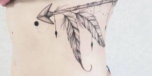 Flecha con plumas por Sil Dobbins