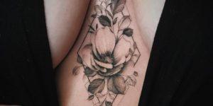 Flor de amapola por Valery Tattoo