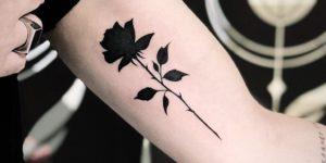 Flor Rosa negra por Milton Reis