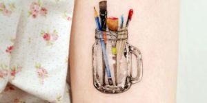 Frasco con pinceles por Studio by Sol, Song E. Tattoo