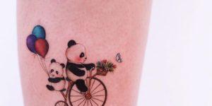 Osos panda en bicicleta por Ayhan Karadag